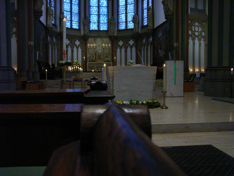österlicher Schmuck 2010 im Altarraum der Kreuzkirche, Münster