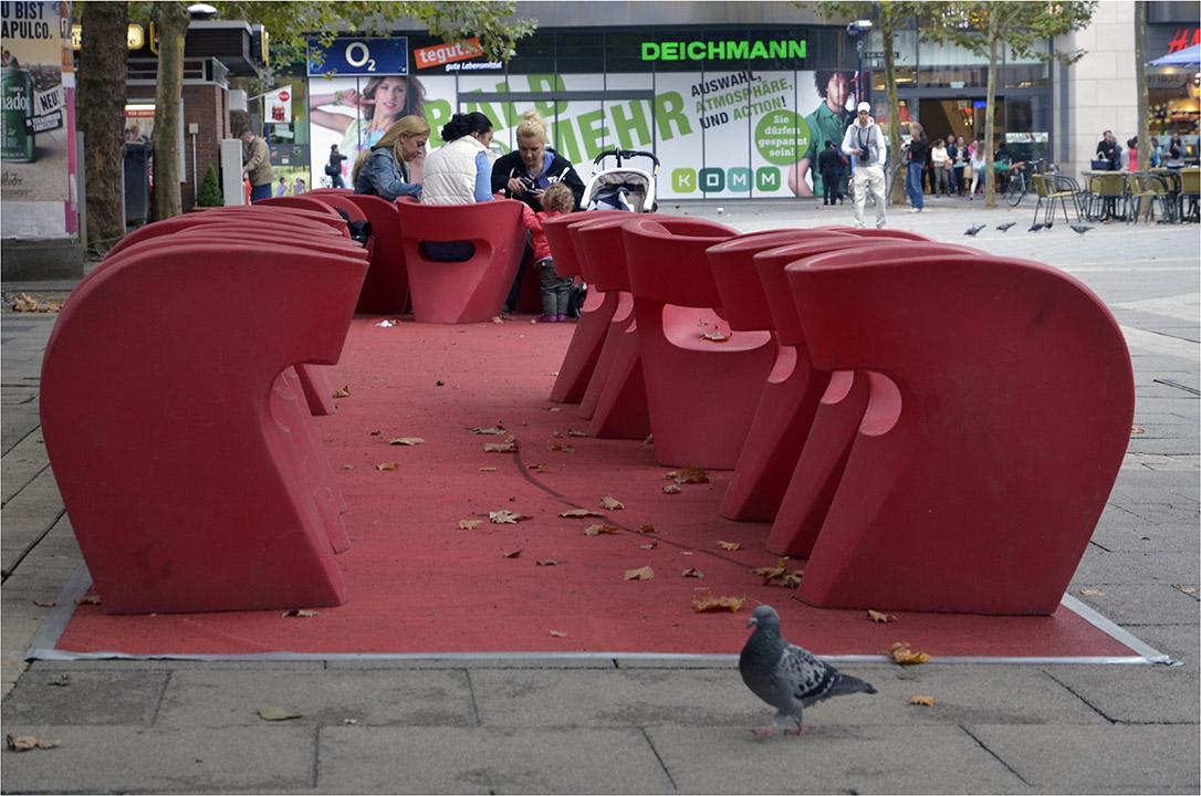 Offenbacher Ansichten: Hier Stadtmöblierung in der City