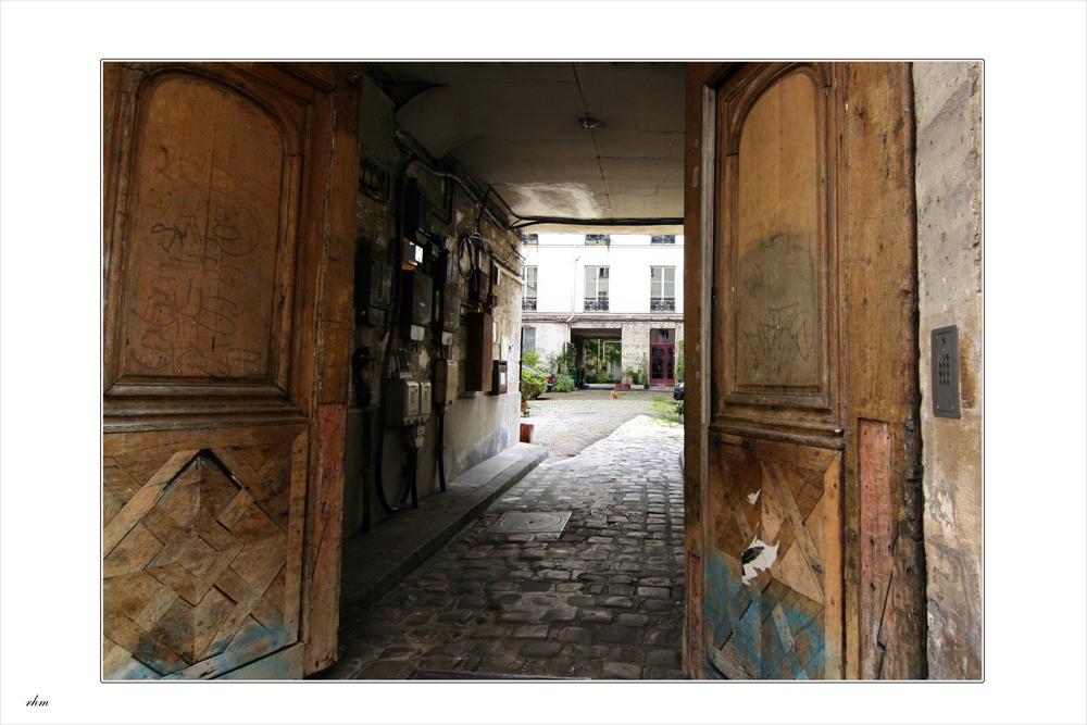 offene t r in marais foto bild architektur profanbauten hinterh fe bilder auf fotocommunity. Black Bedroom Furniture Sets. Home Design Ideas
