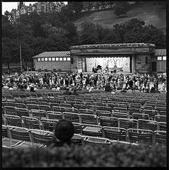 Offentlicher Tanz im Park von Edinburgh 1974 (1)