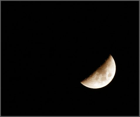 oh wundersamer Mond, der du stehst so stille...