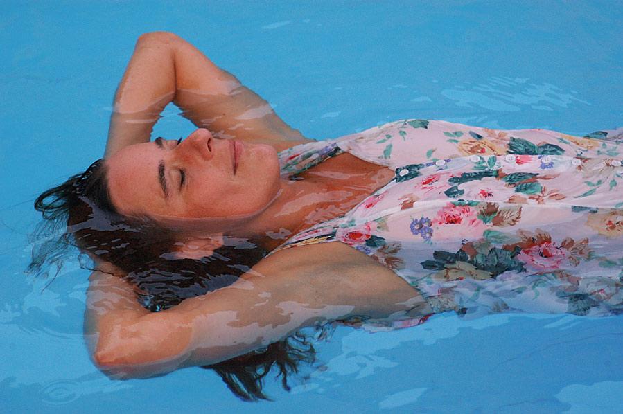 Ohne Bikini mit Wasser...Part 2