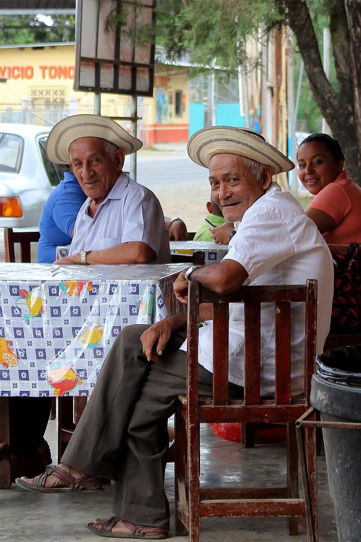 Ohne Hut geht Mann nicht aus dem Haus! (Tonosi, Panama)