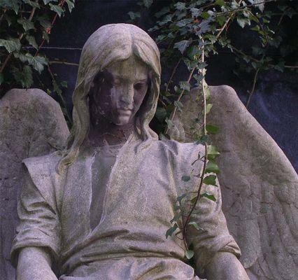 Ohrfeigen für Engel - Weihnachtsterror in Karstadt und Russland