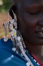Ohrschmuck an einer Massai Frau