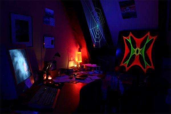 [o]_._iI_*_)X( <-- My Desk