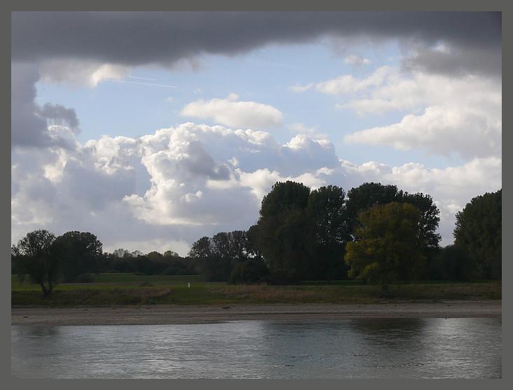 Oktoberwolken am Niederrhein