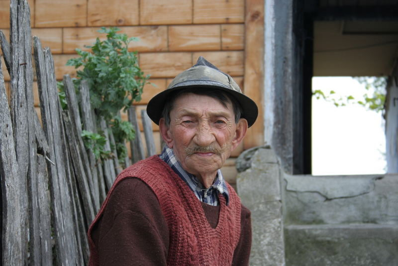 old man from nuchoara