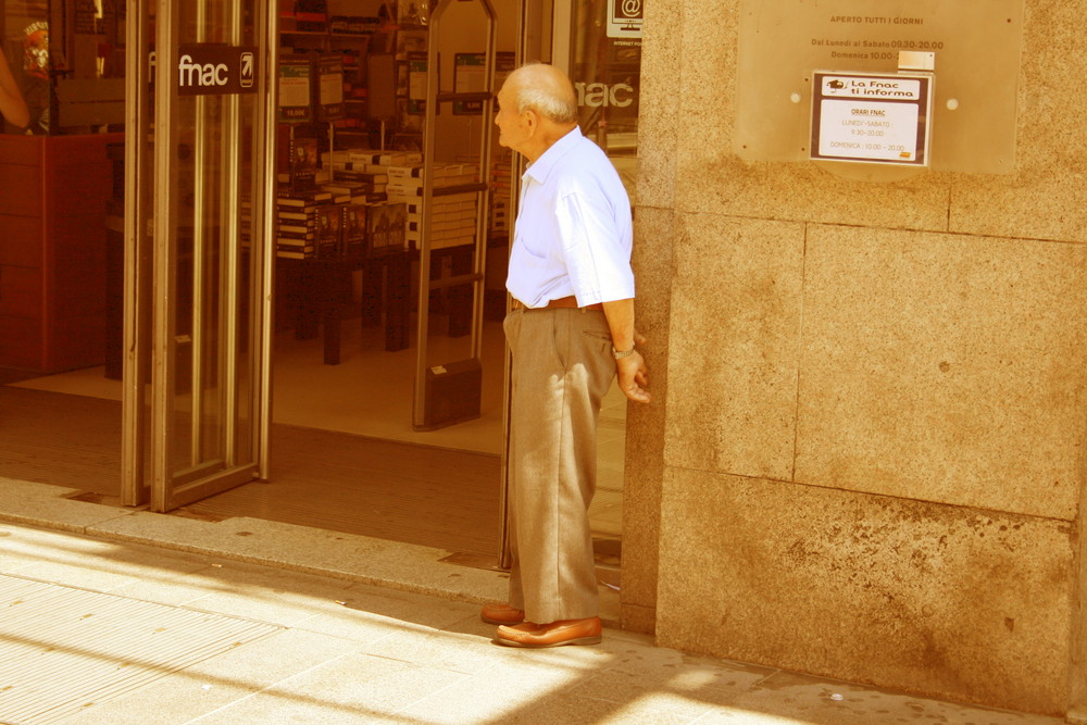 old man in Milano