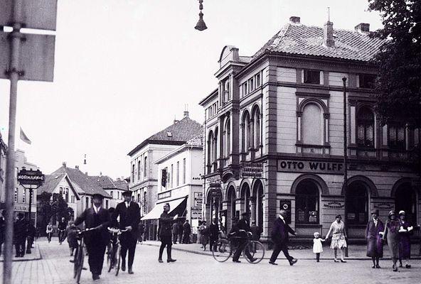 Oldenburg, Lange Straße. Ca. 1925 von einem 9x13 Glasnegativ.