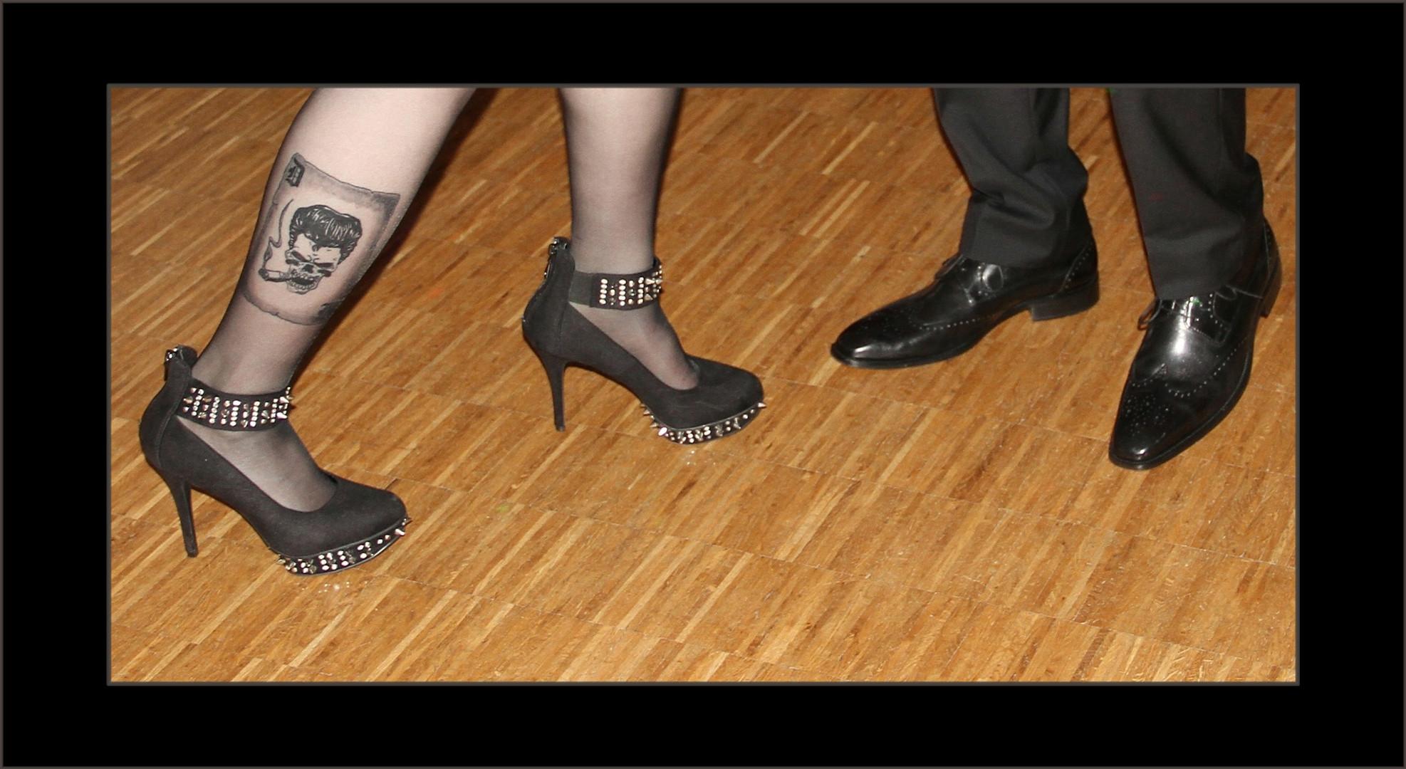Oldenburg zeigt Bein ... Foto 13