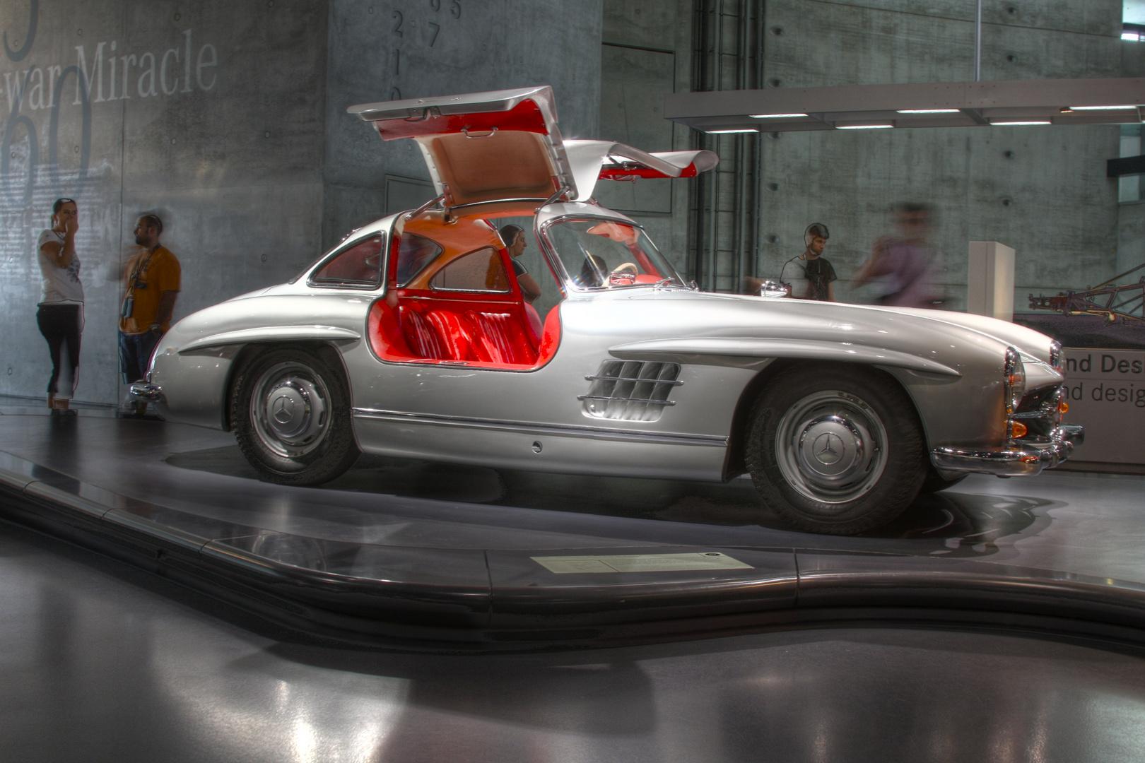 Oldtimer als HDR im Daimler Museum