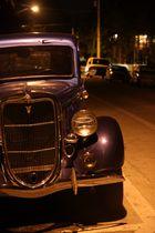 Oldtimer bei Nacht