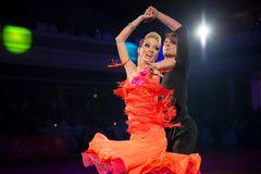Olga Kulikova und Dmitry Zharkov beim Quickstep (Showtanz)