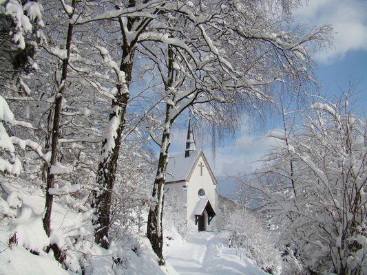 Olpe - Kapelle im Winterkleid -