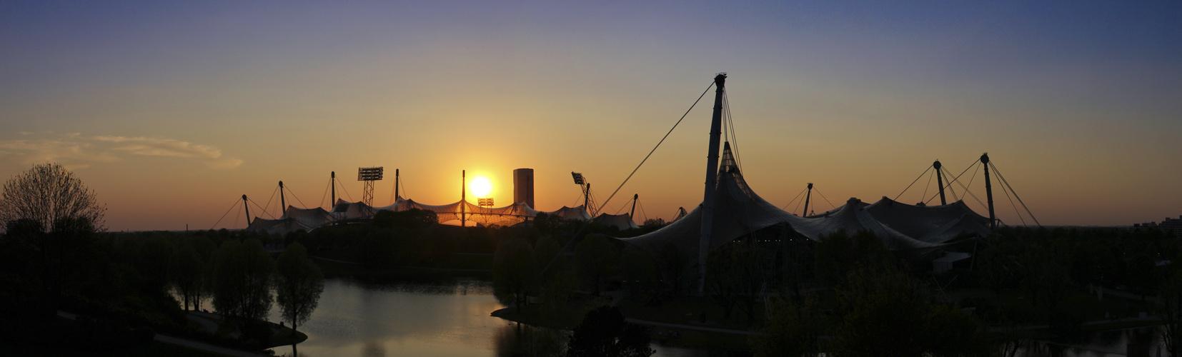 Olympiapark am Abend