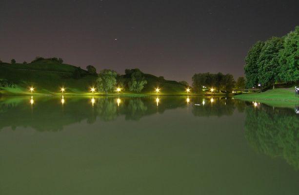Olympiasee bei Nacht