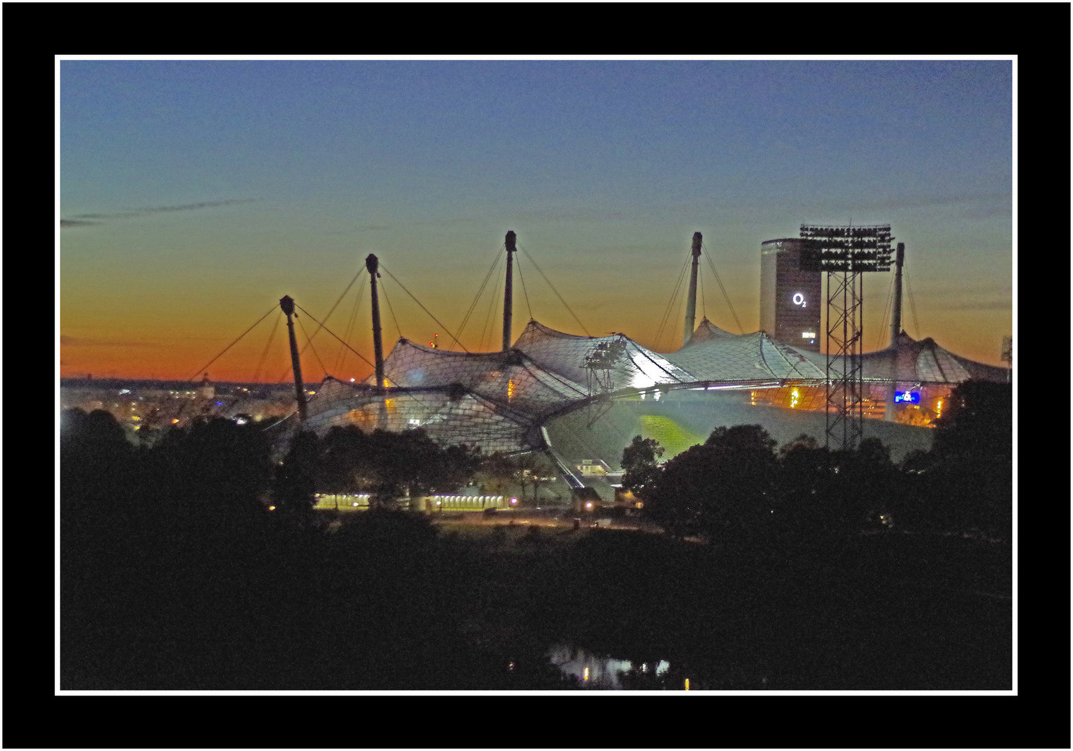 Olympiastadion im Sonnenuntergang