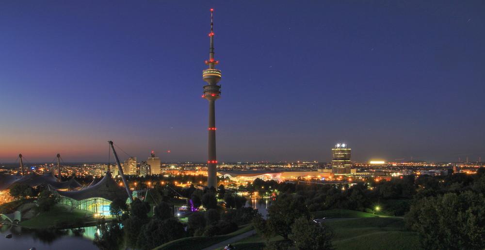 Olympiaturm bei Nacht #1
