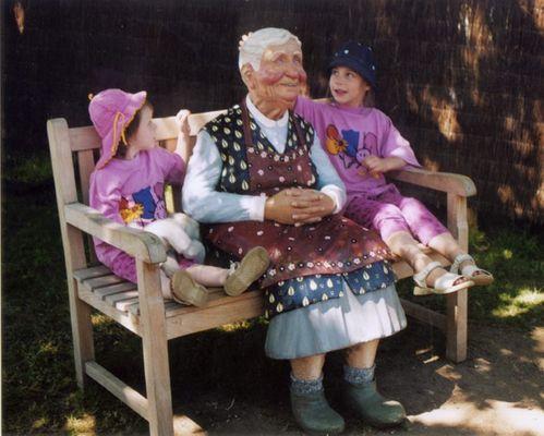 Oma und die Jugend