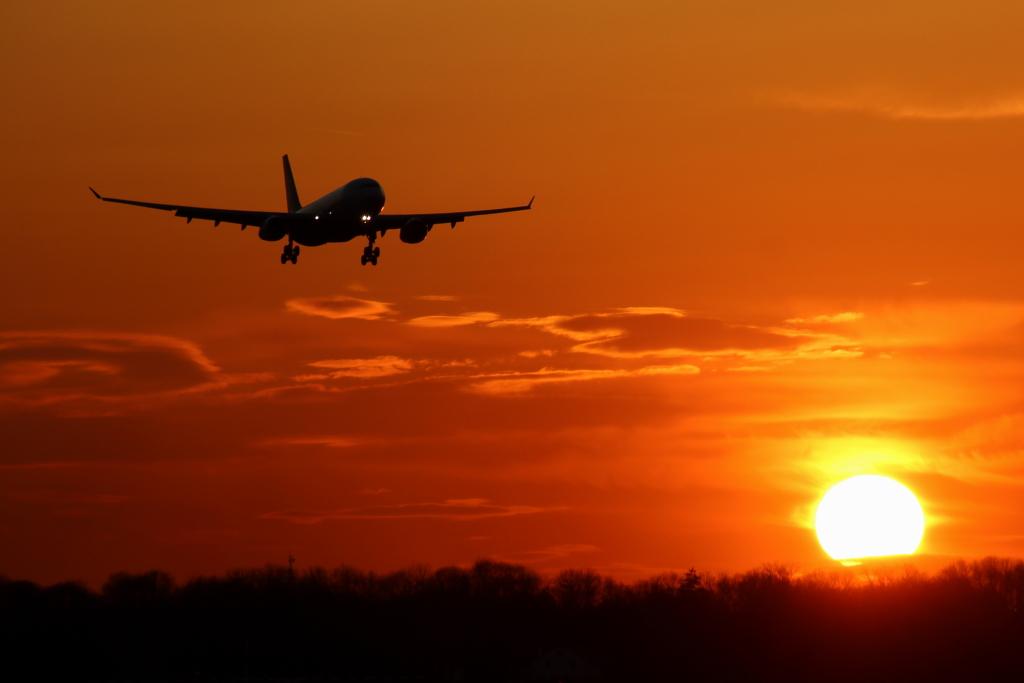 Oman Air / Airbus A330 im Anflug auf München