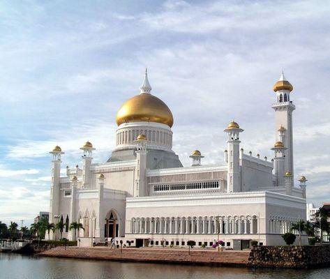 Omar Ali Saifuddien Mosque I