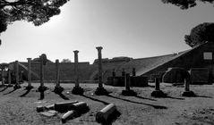 Ombre sul Teatro Romano di Ostia Antica...