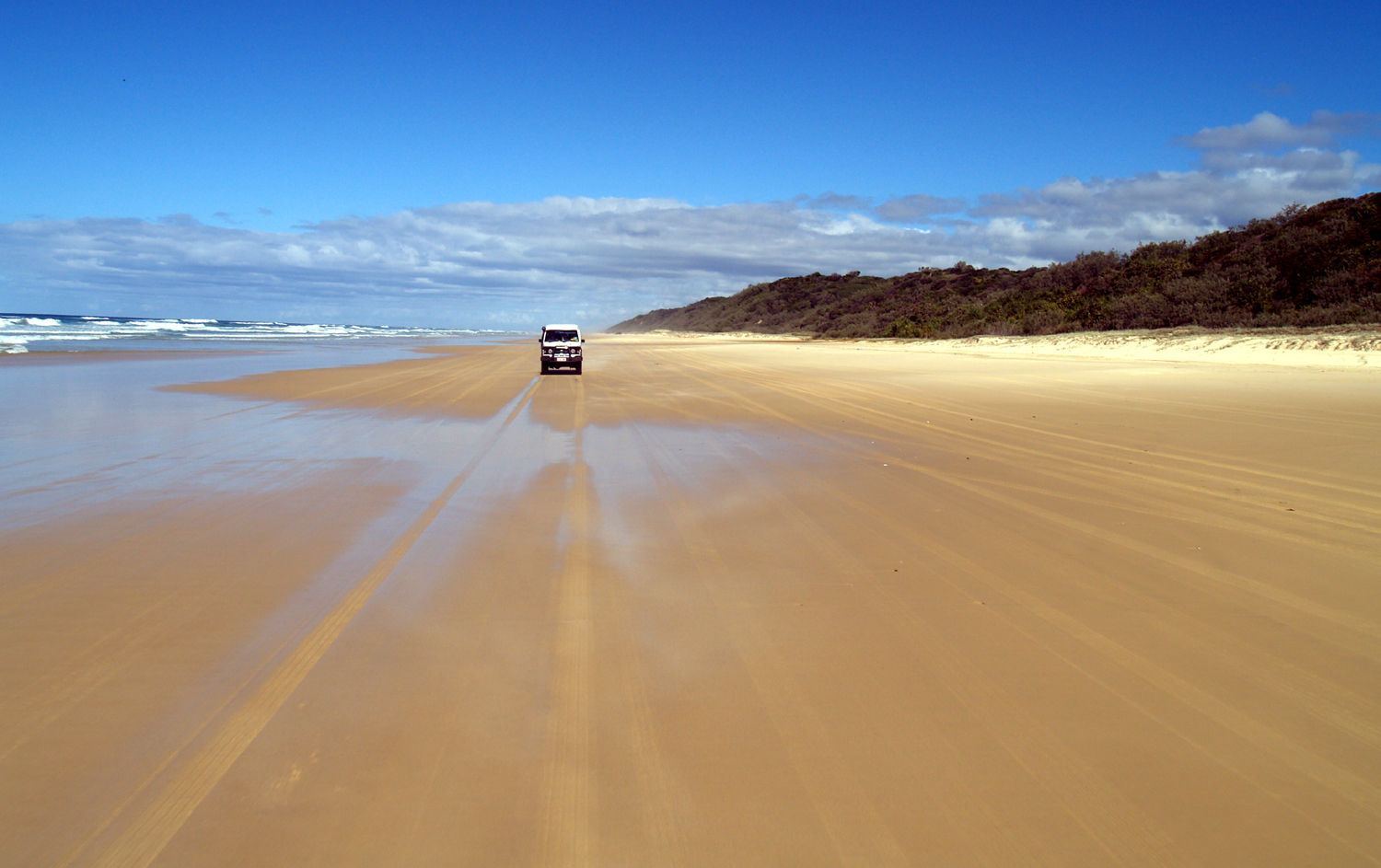on the road - Fraser Island :)