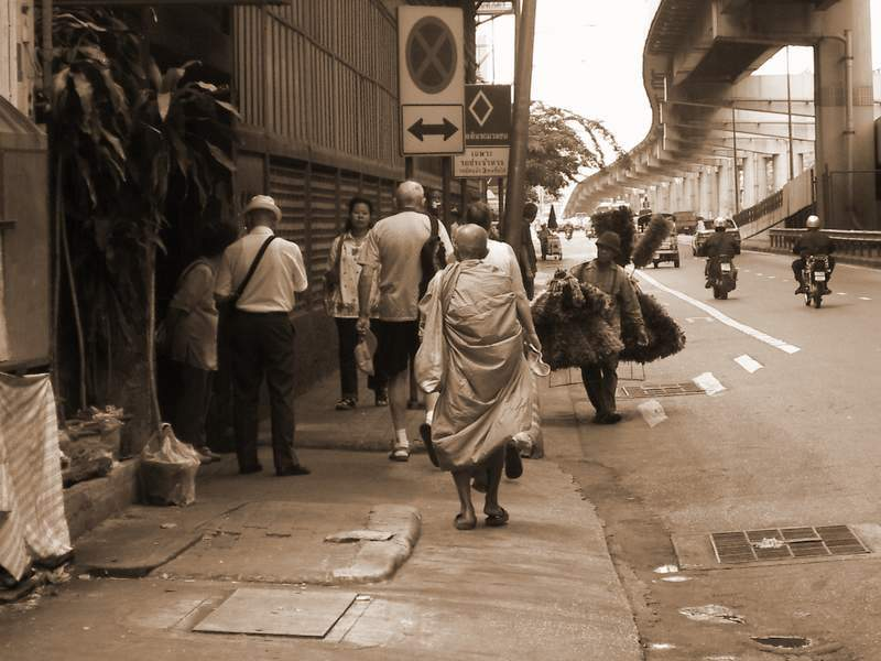 One day in Bangkok - Mönch meets das Volk