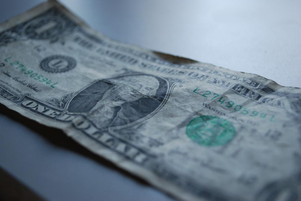 one dollar $