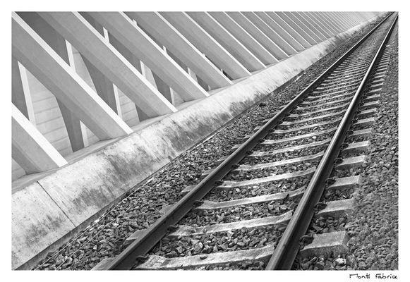 One way track