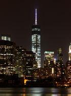 One World Tower bei Nacht
