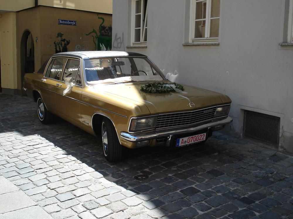 Opel Admiral (Hochzeitsauto)