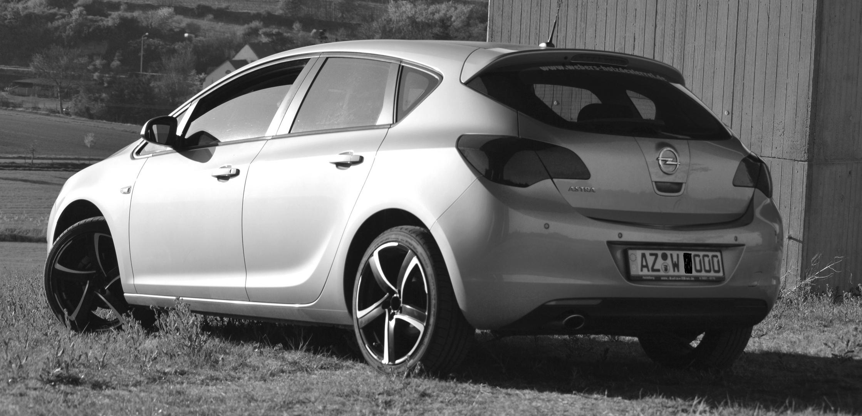Opel Astra 1.4 Turbo (hinten)