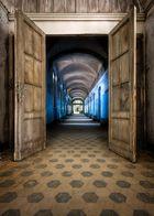   \ open doors /  