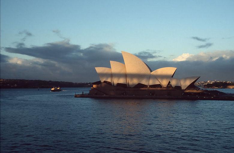 Oper bei Sonnenuntergang