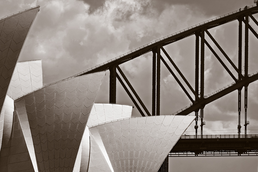 Opera meets Harbour Bridge