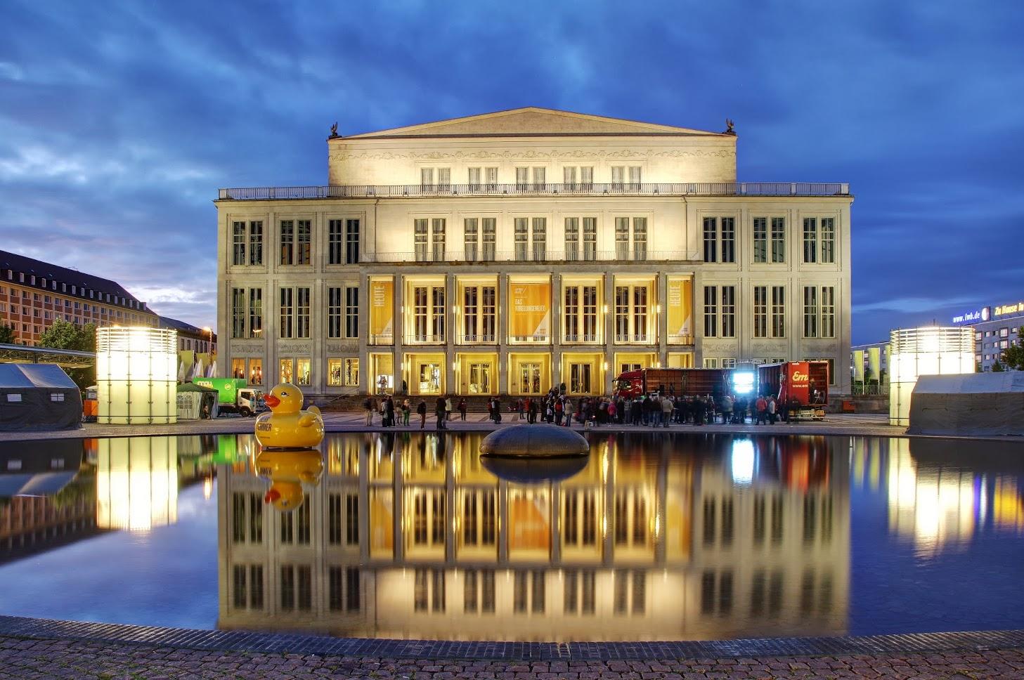 Opernhaus auf dem Augustusplatz in Leipzig