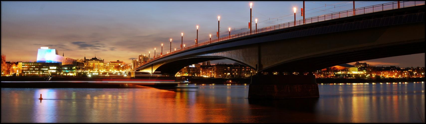 Opernhaus / Kennedy-Brücke II