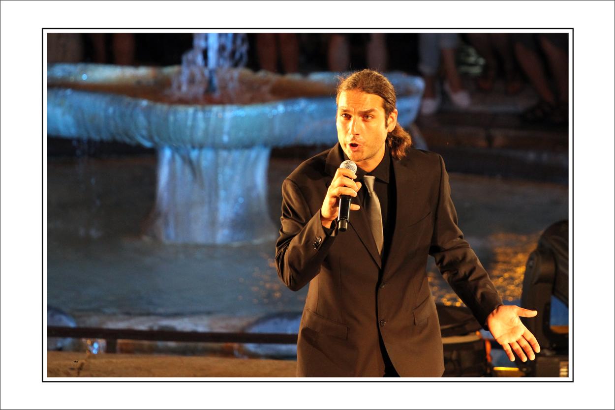 Opernsänger an der Fontana di Trevisi