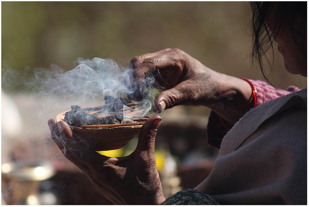 Opfergaben am Shiva Parvati Schrein in Bhaktapur