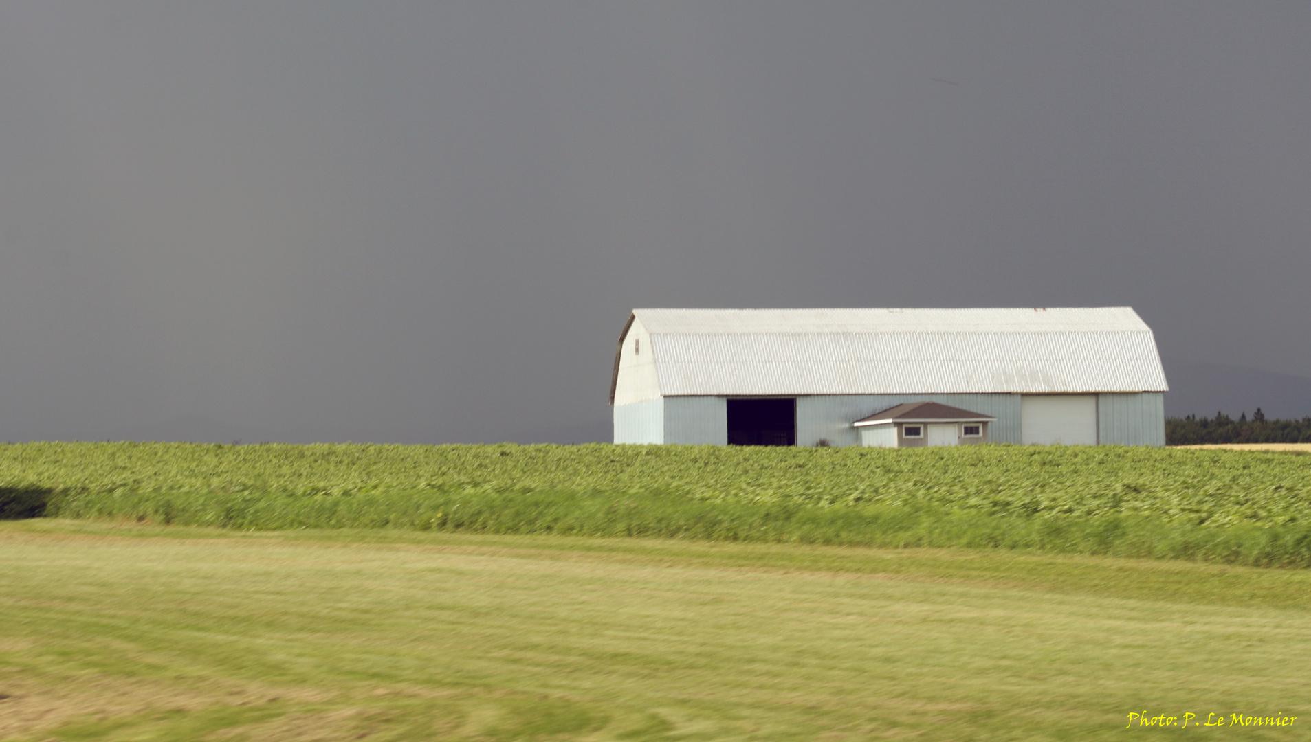 Orage et rayon de soleil sur l'ile d'Orléans - Québec