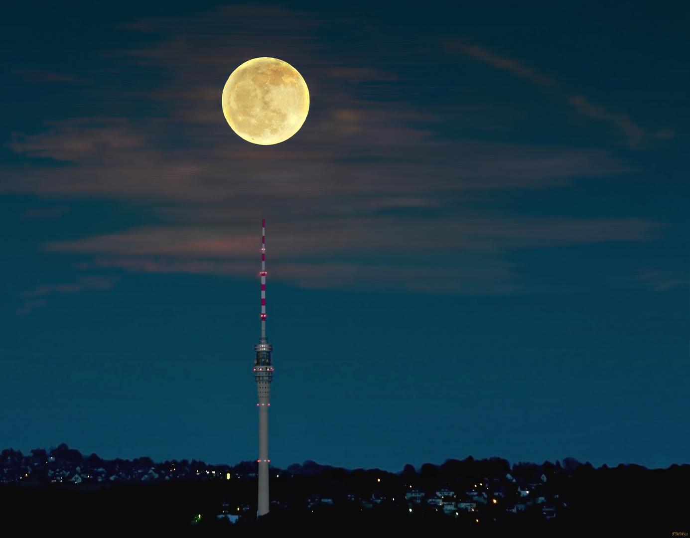 Orange Moon oder Knopf auf Spitz