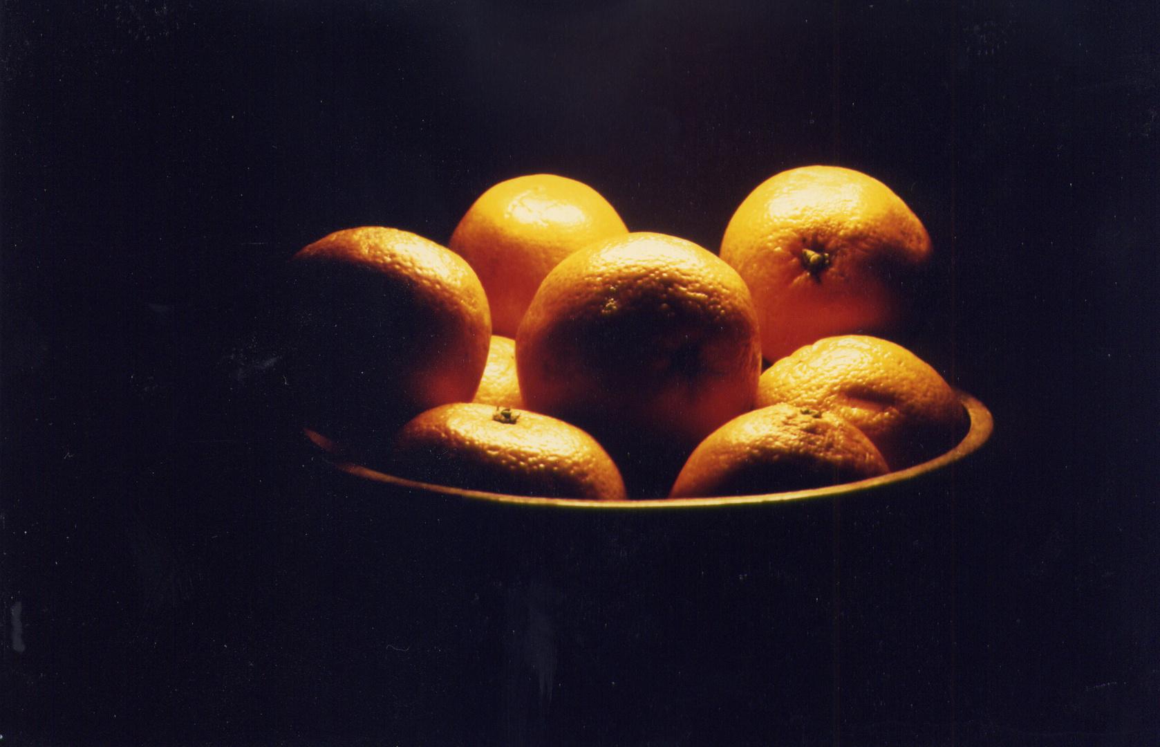 Orangen in Holzschale