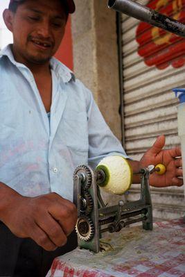 Orangenschälmaschine