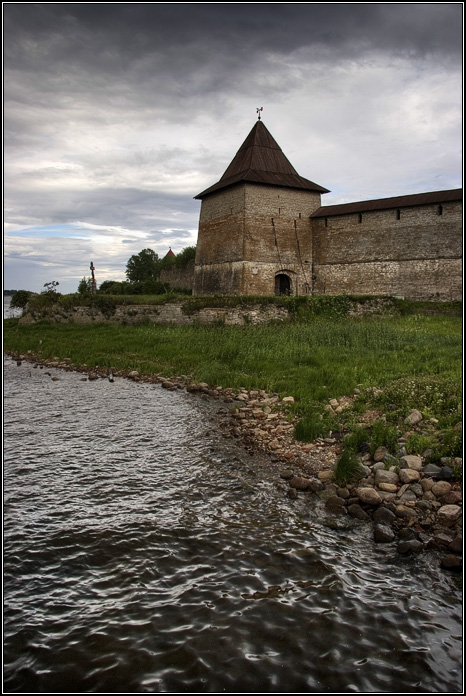 Oreshek fortress. Souverain tower.