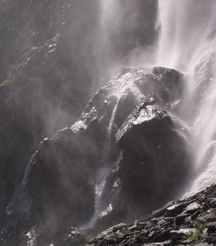 Organischer Wasserfall