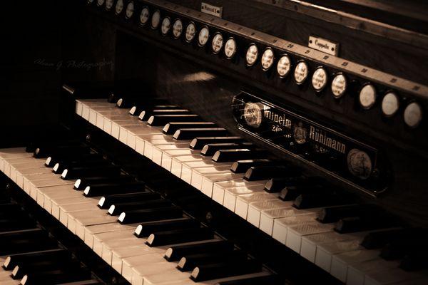 Orgel der Emerslebener Kirche