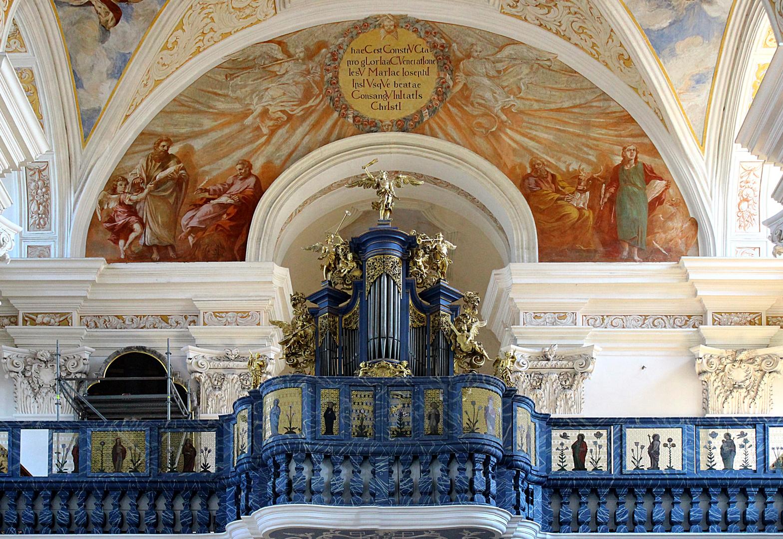 Orgel in der Kirche für die Solidarität des Hl. Joseph