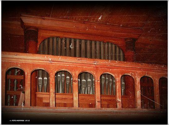 Orgel . | . Wang